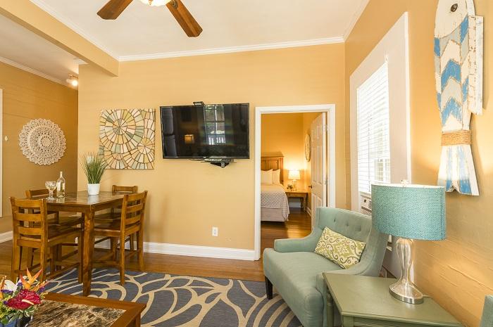 Vacation Rentals in Key West - Villa Rosa living area