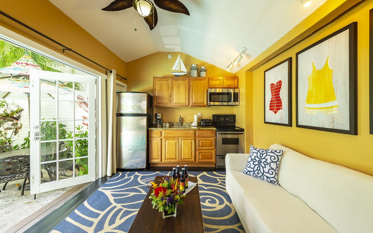 Key West Cottage Rentals - Poolside Living Room